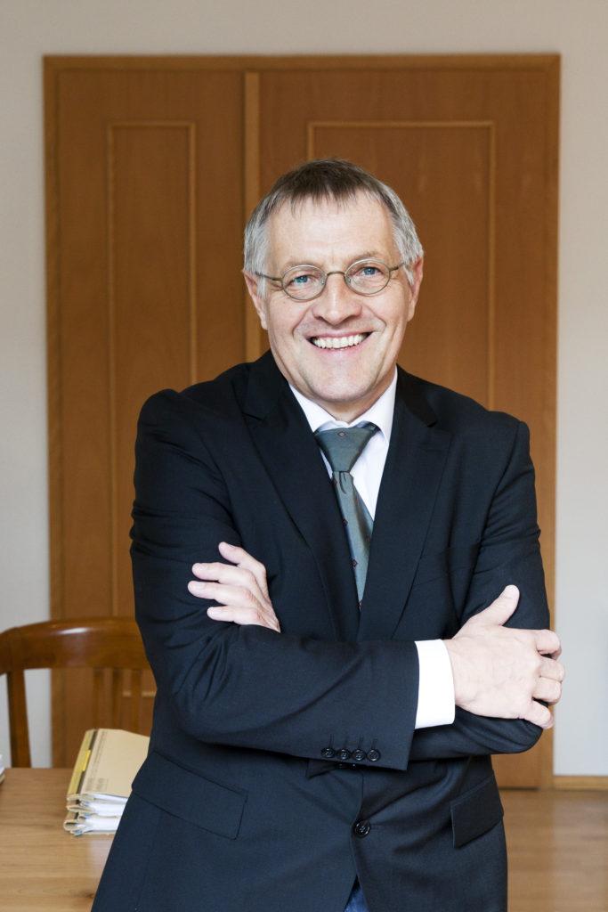 Fachanwalt Verwaltungsrecht Erfurt und Thüringen. Seit Jahren steht unsere Kanzlei privaten Mandaten tatkräftig zur Seite. Termin unter: 0361 - 22841-0